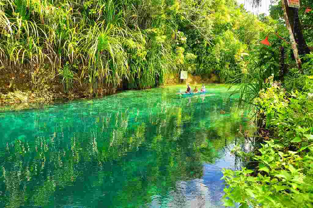 Enchanted River, Hinatuan  Mindanao (Filippijnen)