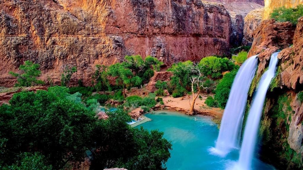 Havasu Falls, Arizona --- Image by © Ocean/Corbis