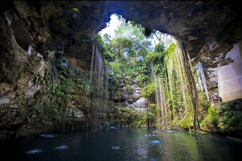 Ik Kil cenote Yucatan Mexico3
