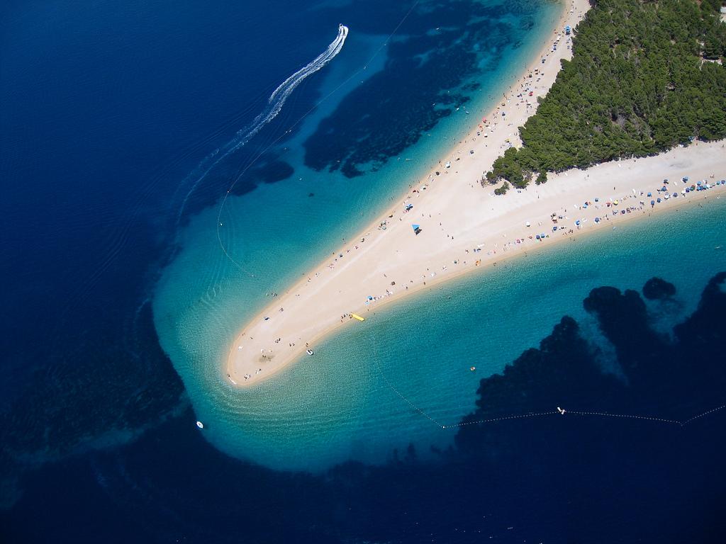 Zlatni Rat beach, Brač (Kroatië)