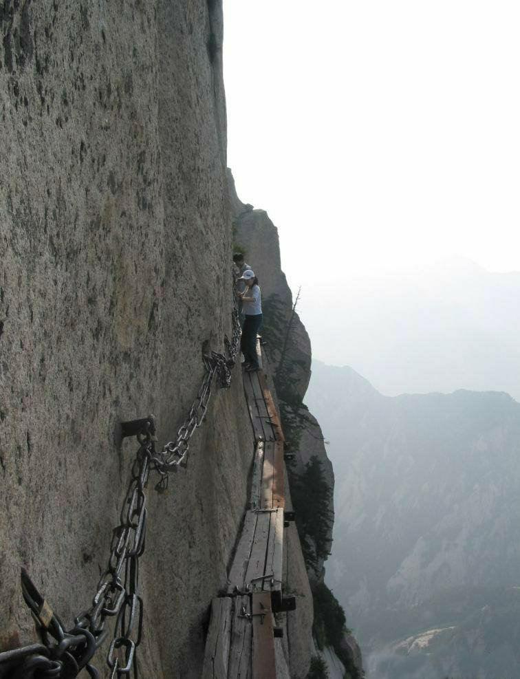 mount huashan china wandelpad gevaarlijke