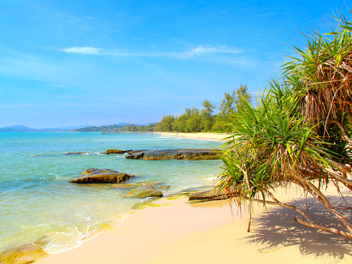 beach-along-ream-national-park_treasures-of-indochina