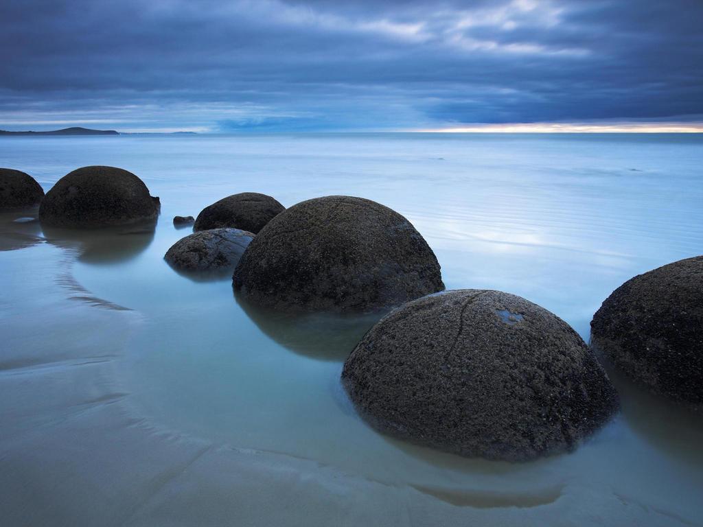 Koekohe Beach